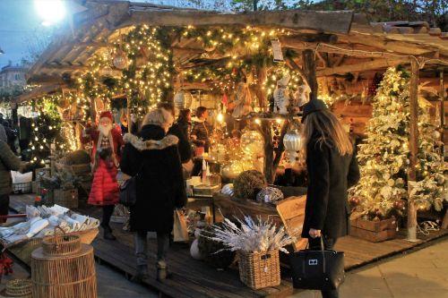 Calendario Mercato Forte Dei Marmi 2020.Mercatini Di Natale A Forte Dei Marmi 2019 Fiera Di Natale